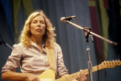 BERKELEY, CA - October 4: L-R Joni Mitchell performs live at at The Bread and Roses Festival at The Greek Theatre on October 4, 1980 in Berkeley, California. (Photo by Richard McCaffrey/ Michael Ochs Archive/ Getty Images)